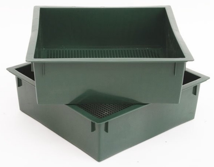 Ready to harvest your worm castings?  Have you been vermicomposting with a worm bin?  Is it time to harvest and you don't know where to start?  Start here >>&#8221; class=&#8221;wp-image-3761&#8243;/></a></figure></div>    <h4><strong><a href=